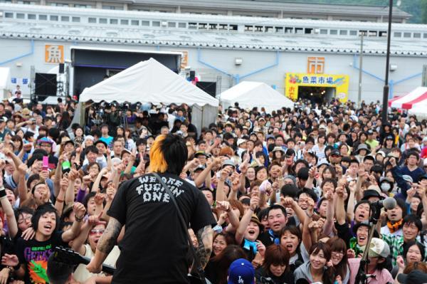 2011年6月12日に岩手県宮古市で行われた「POWERSTOCK IN 宮古」(「SLANG」という横山健さんの仲間バンドが主催した音楽イベント) 写真提供:Teppei Kishida