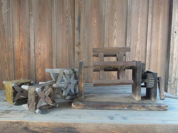 上井草の農家で見つかった座繰りと糸繰枠