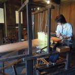 絹を織るのに使われた機織機