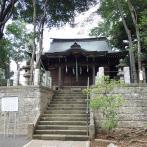 石段を登った上にある社殿