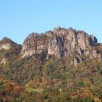 岩櫃山。紅葉や新緑のころのトレッキングがおすすめ
