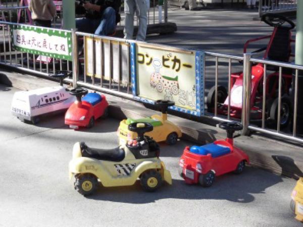 幼児用の交通遊具も充実