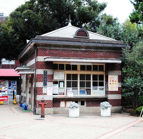 蚕糸試験場の時代に使われていた守衛所