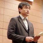 """田中庸介さん。海外文芸誌の評では、詩人であり、細胞生物学者であることが""""good matching"""""""