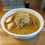 味噌ラーメン/800円/160g<br>野菜の量はお好みで調節が可能。シャキッとした食感がスープにぴったり