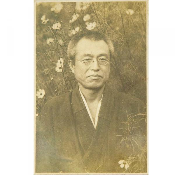 江渡狄嶺。1924(大正13)年、44歳当時の写真(写真提供:江渡雪子さん)