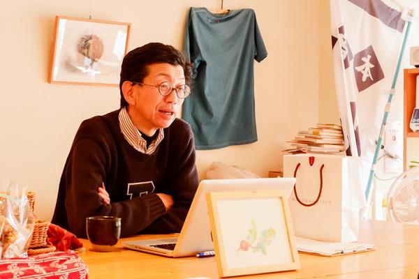 店主の品田和義さん。だしソムリエ、みそソムリエなどの資格も保有する